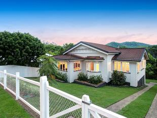 IMPECABBLY RENOVATED CHARACTER HOME ON A MASSIVE 900m2 BLOCK - Bardon