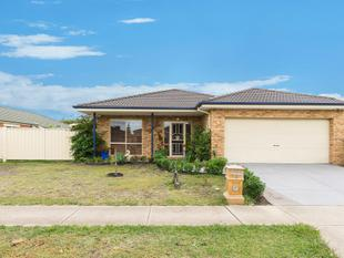 PERFECTLY POSITIONED IN CENTRAL POINT COOK! - Point Cook