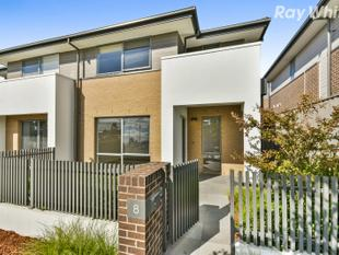 Pristine Double Storey Townhouse - Wantirna South