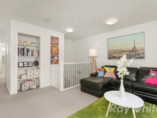 COMPLETE LIFESTYLE PACKAGE, WALK TO OAKLEIGH CENTRAL - Oakleigh