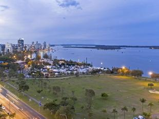 Sweeping Broadwater Views, Commonwealth Games Precinct, Walk to Everything! - Southport