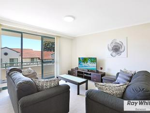 Spacious Two Bedroom with Lock up Garage in Resort Style Complex! - Russell Lea