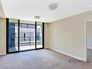 Brand New Architectural Designed 1 Bedroom Apartment + Study area - Waitara