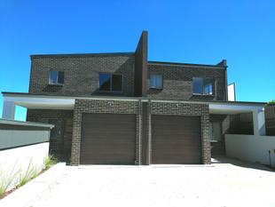 Brand New Large Four Bedroom Duplex - Condell Park