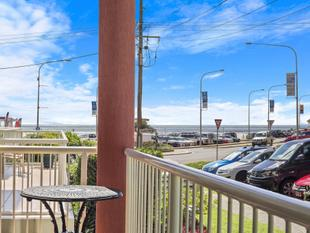 Beachfront location in small block - Coolangatta