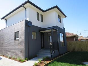 BRAND NEW RESIDENCE IN GREAT LOCATION - Clayton