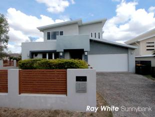 Modern Spacey Family Home - Eight Mile Plains