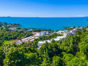 Be On Top Of The World! - Airlie Beach