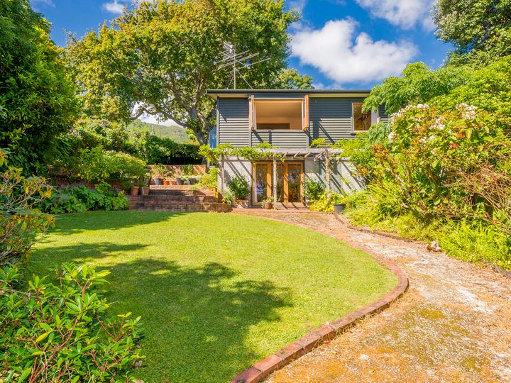 11 Hira Street, Waikanae, Kapiti Coast District