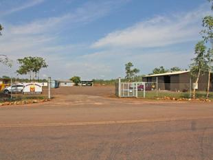 Industrial land 4980 m with warehouse and separate office - Humpty Doo