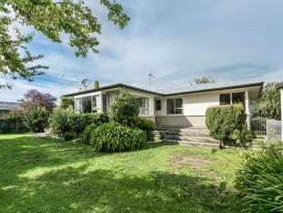 Great Garaging! Great Location! - Havelock North