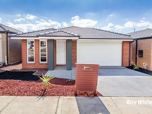 BRAND NEW HOME IN DELARAY ESTATE - Clyde North
