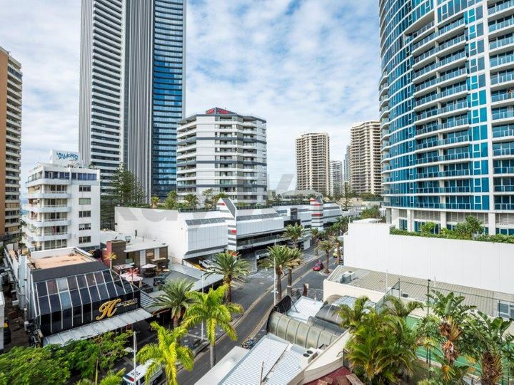 Surfers Paradise, QLD