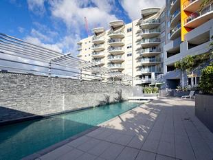 EXCELLENT DESIGN & UNBEATABLE LOCATION!!!! - South Brisbane