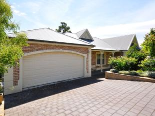 FABULOUS 5 BEDROOM FAMILY HOME IN AMAZING LOCATION - Flagstaff Hill