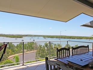 LARGE, PRESENTABLE 3 BEDROOM APARTMENT WITH HARBOUR VIEWS - Stuart Park