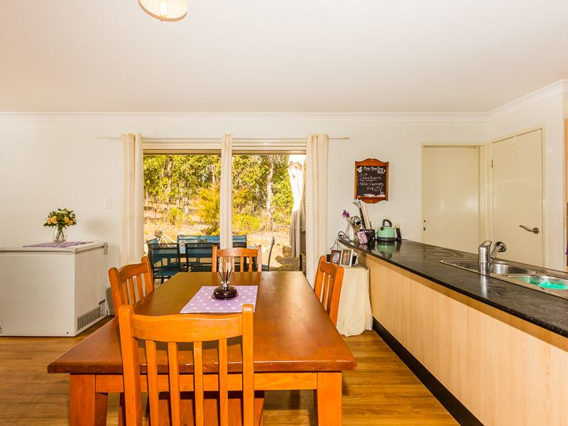 12 Perseverance Dam Road Crows Nest Qld Rental House