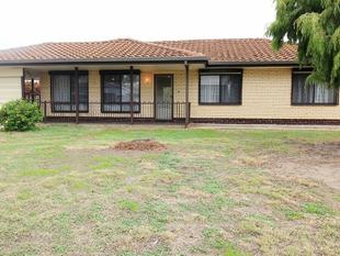 Family friendly home in quiet street. - West Lakes