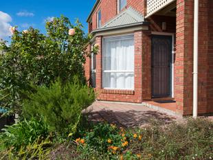 Recently Renovated Townhouse near Flinders Uni - Bedford Park