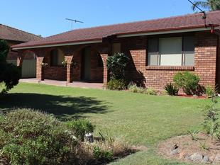 IMPECCABLE FAMILY HOME - Cessnock