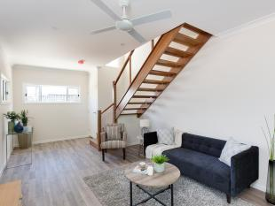 Brand New Stylish Townhouse! - Annerley