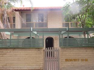 Great Size Town House - West Lakes Shore