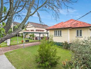 Perfect First Home, Renovator or Investment - Camp Hill
