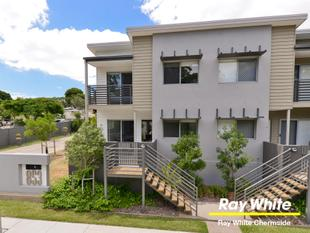 Architecturally Designed 3 Bedroom Townhome - With Space & Privacy! - Chermside West