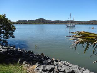 OUTSTANDING WATERFRONT HOME, DEEP WATER CHANNEL  CLOSE TO TOWN - Russell Island