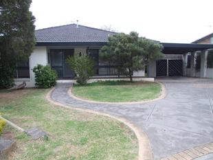 3 BEDROOM HOUSE - MELTON WEST - Melton West