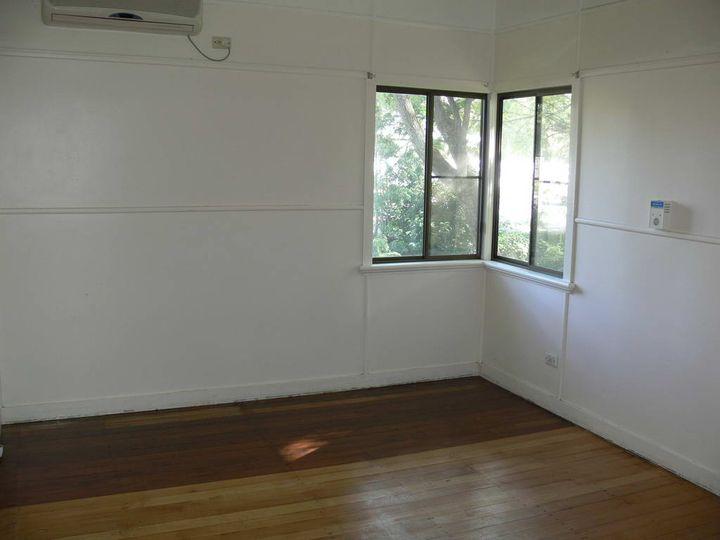 243 Ipswich Street, Esk, QLD
