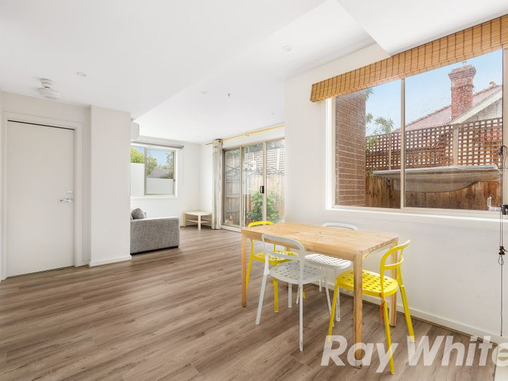 1/98-100 Carrington Road, Box Hill, VIC