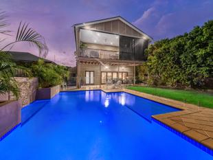 Classic 6 bedroom Queenslander on 541 sqm - Ascot