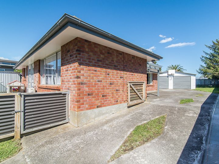 12 Chums Road, Paraparaumu Beach, Kapiti Coast District