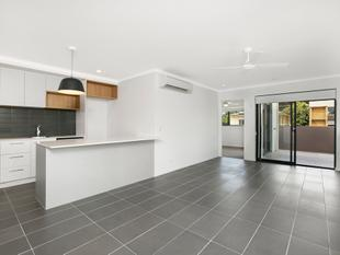 Two Weeks Free Rent! 2 Bed, 2 Bath, 1 Car, Massive Balcony! City Facing! - Greenslopes