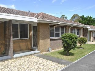 IMMACULATE 2 BEDROOM UNIT - Oakleigh