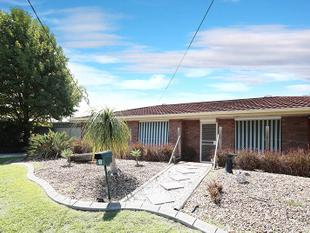 Great Location, Full brick with full length entertaining area. - Crestmead