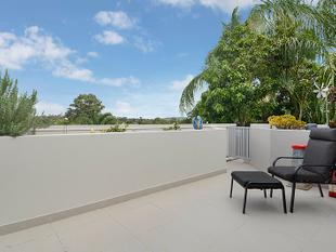 Stunning Top Floor Apartment with Rooftop Terrace - Nundah