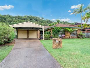 Five Big bedrooms. Three Big Living Rooms. Quiet Cul-De-Sac. - Umina Beach