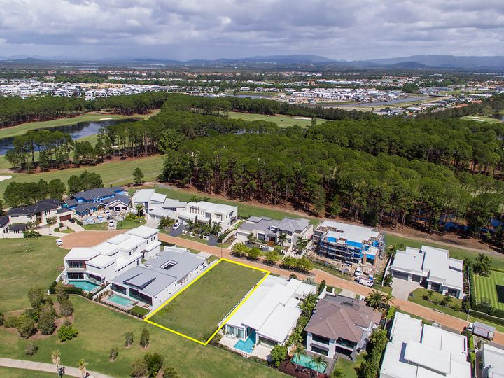 2271 Banksia Lakes Drive, Sanctuary Cove, QLD