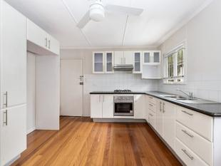 Centrally located family home - Greenslopes