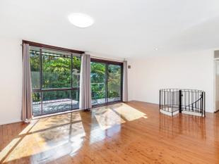 Perfect Upper Level House with Huge Backyard - Frenchs Forest