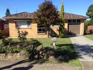 Neat Family Home With Lots Of Space ! - Bossley Park
