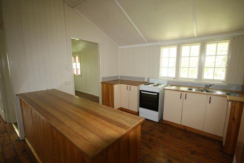 Room For Rent Flinders St