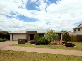 BEAUTIFULLY PRESENTED FAMILY HOME - IN A QUIET AREA - Middle Ridge