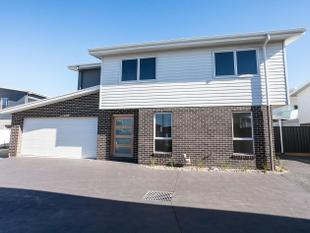 STUNNING BRAND NEW 4 BEDROOM HOME - Shell Cove