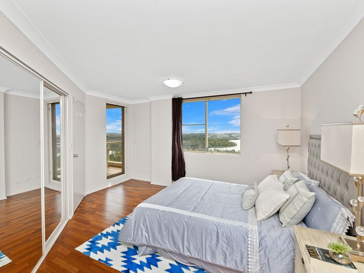 804/10 Wentworth Drive, Liberty Grove, NSW