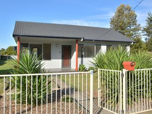 3 BEDROOM HOME LOCATED ACROSS FROM NATURAL RESERVE - Abermain