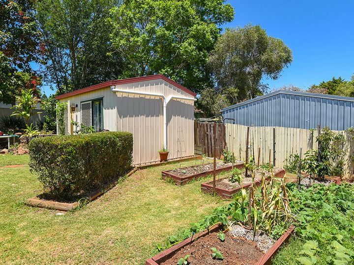 11 Claret Street, Wilsonton Heights, QLD