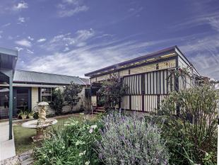 Live Right Close To Werribee Station - 2 Houses For Rent on the same block - Werribee
